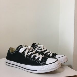 NIB Converse Black Chuck Taylor Low cut Sneakers NWT
